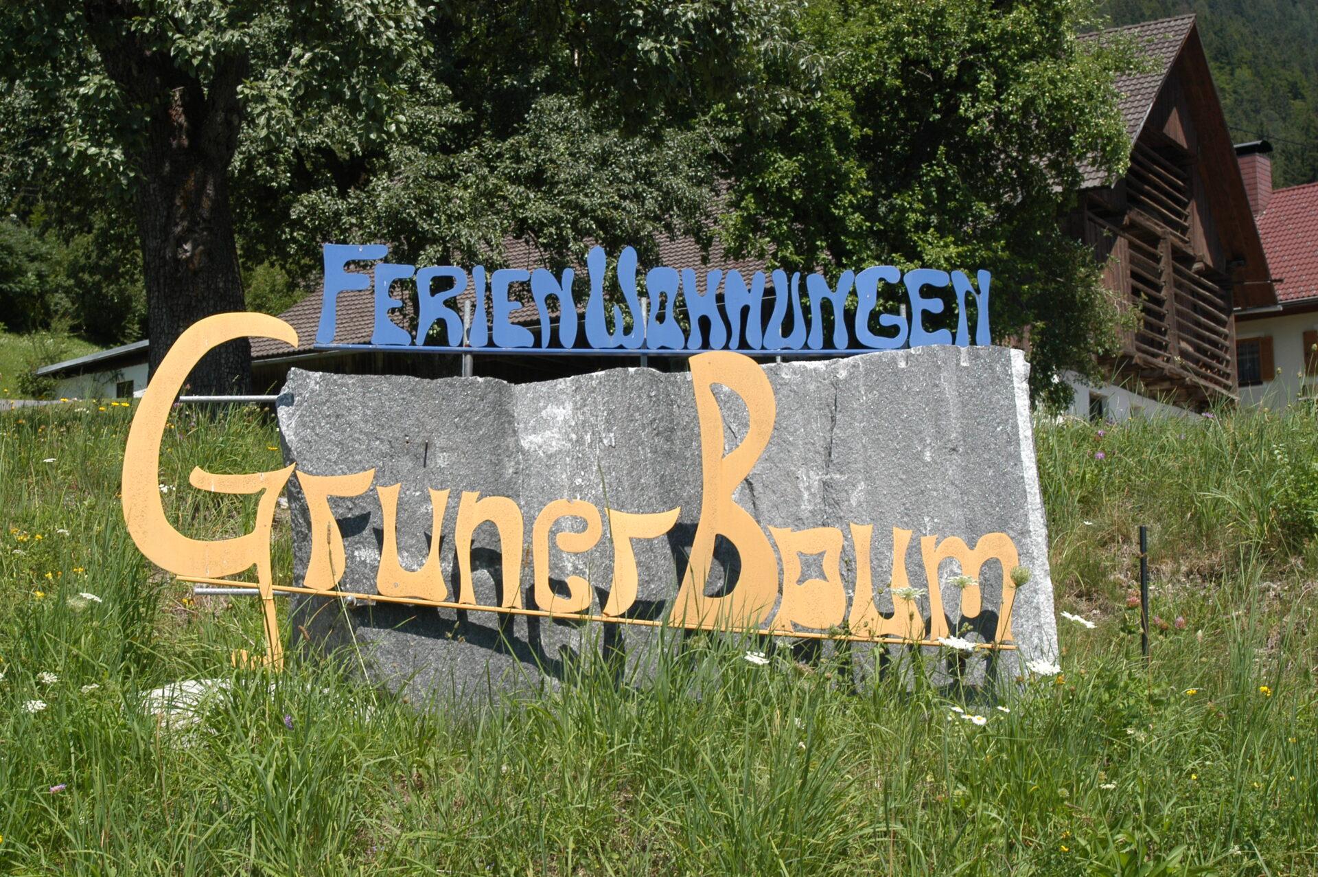 Stein mit Schriftzug
